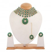 #choker #necklace #anushka #green #wedding #classy #swag