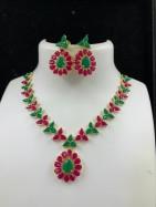 #necklace #handcraftedgem #gemstone #redgreen #flower #bela #dori #adjustable