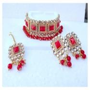 #bridal #chokar #earrings #maangtika #padmawati #kundan #dropletbead #pearls #reds
